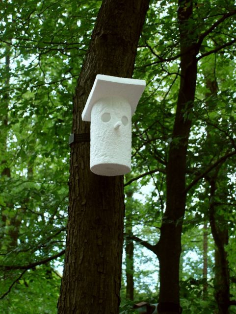 Hello Goodbye: vogelhuisjes, -monumenten, - follies voor GBK-tentoonstelling in NOM over migratie